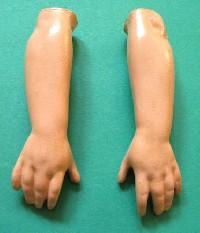 bras-poupée-amputée-stimuli-insolite